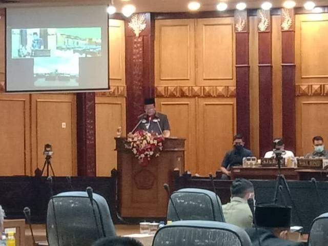 Bupati Sidoarjo Ahmad Muhdlor saat Rapat Paripurna di DPRD Sidoarjo, Rabu (16/06/2021).(Foto: Dimas Ari/Tugu Jatim)