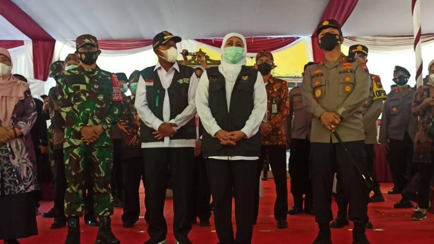 Forkopimda Jatim meninjau vaksinasi massal di Kabupaten Sumenep, Madura, Jawa Timur, Sabtu (12/06/2021). (Foto: Polrestabes Surabaya/Tugu Jatim)