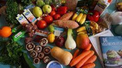 Ilustrasi menu makanan sayuran dan buah untuk diet. (Foto: Pixabay/Tugu Jatim)