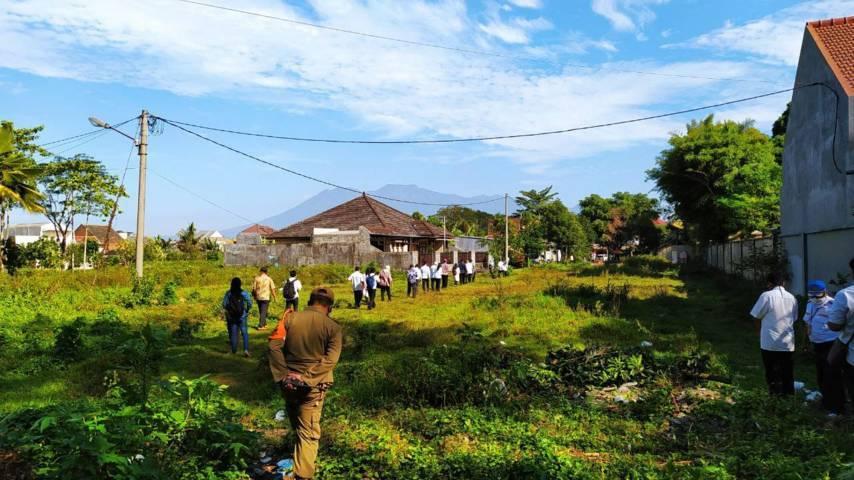 Tanah yang disengketakan di kawasan Velodrome Sawojajar. (Foto:Azmy/Tugu Jatim)