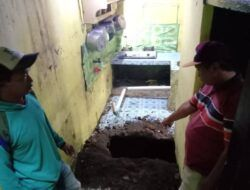 Kali Kelima, Rumah Warga Kelurahan Sisir Batu Ambrol Sedalam 8 Meter