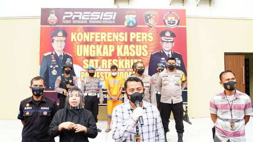 Kasat Reskrim Polresta Sidoarjo Kompol Wahyudin Latif sedang menyampaikan kasus di Polresta Sidoarjo, Rabu (16/06/2021).(Foto: Polresta Sidoarjo/Tugu Jatim)
