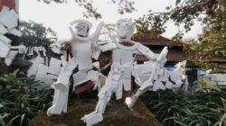 "Komunitas MAC Malang Gelar Instalasi Seni ""Boneka Styrofoam"" yang Sarat Kritik"