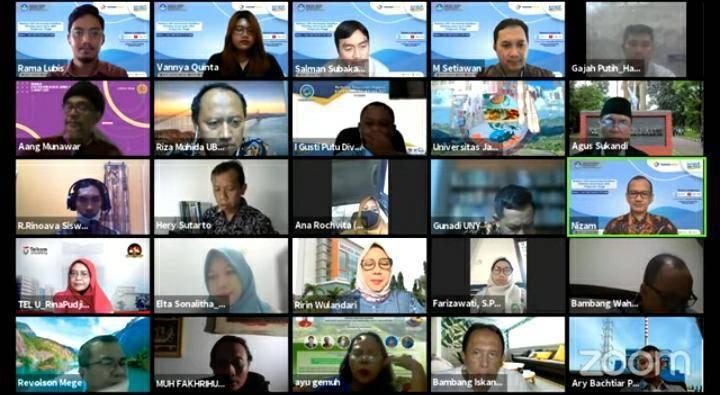 Para peserta webinar. (Foto: Feni Yusnia/Tugu Jatim)