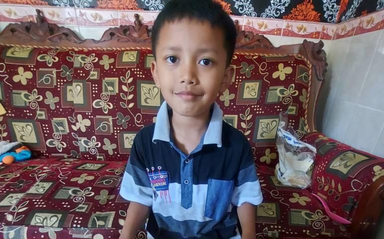 Foto semasa hidup Nabhan Zulfadli Irsa, bocah yang tewas terseret arus Sungai Metro Malang usai bermain air hujan di selokan dekat rumah kakeknya. (Foto: Dokumen)