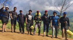 Para pendaki dan wisatawan di Puncak Budug Asu di Lawang, Kabupaten Malang. (Foto: Rizal Adhi/Tugu Jatim)