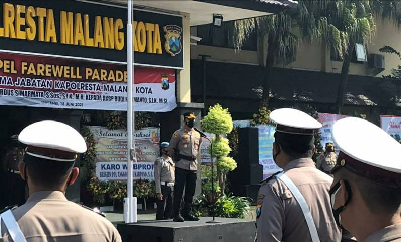 AKBP Budi Hermanto (Buher) memberikan sambutan pada Jumat (18/06/2021). (Foto:Azmy/Tugu Jatim)