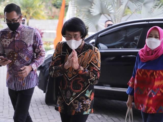 Kak Seto saat akan menemui Wali Kota Batu Dewanti Rumpoko. (Foto: Sholeh/Tugu Jatim)