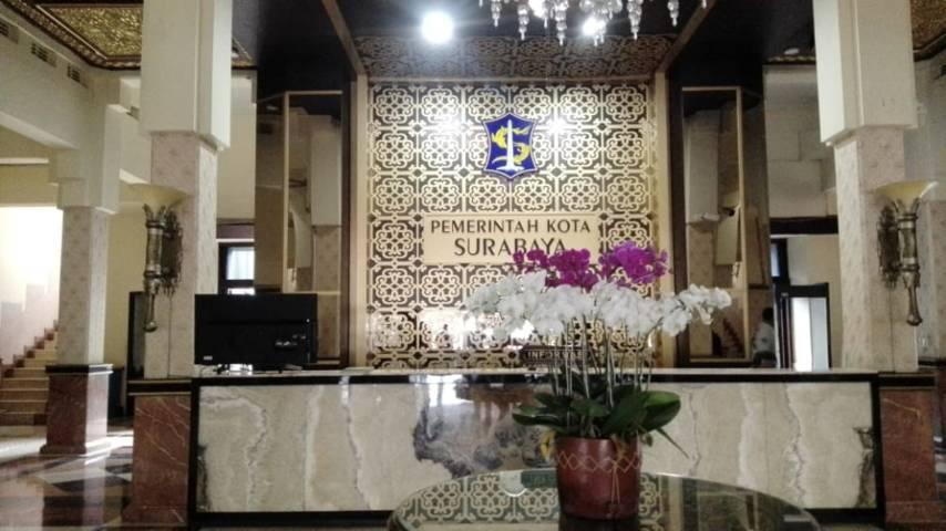 Gedung Pemkot Surabaya. (Foto: Rangga Aji/Tugu Jatim)
