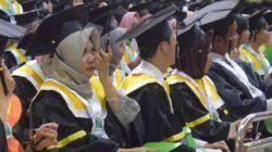 Pertukaran Mahasiswa Merdeka sebagai ajang mendorong tumbuhnya semangat cinta tanah air melalui persahabatan antar generasi muda di berbagai wilayah Nusantara. (Foto: Wisuda Politeknik Negeri Jakarta 2019/Mila Arinda/Tugu Jatim)