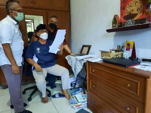 Prof Deddy, Dekan Filkom Unpad ke-9 dalam kacamata Dr Aqua, figur yang sangat disegani. (Foto: Dokumen/Tugu Jatim)