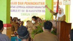 Bupati Bojonegoro Anna Muawanah dalam acara Pembinaan dan Peningkatan Kapasitas Penguatan Lembaga Kemasyarakatan Desa di Balai Desa Kedungrejo Kecamatan Kedungadem, Senin (14/06/2021). (Foto: Humas Pemkab Bojonegoro/Tugu Jatim)