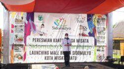 Wali Kota Batu Dewanti Rumpoko meresmikan Mall Bunga Sidomulyo Kota Batu. (Foto: Sholeh/Tugu Jatim)