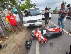 Tak Lihat Kondisi Jalan saat Putar Balik, Pengendara Motor di Tuban Tewas Digasak Mobil Pikap