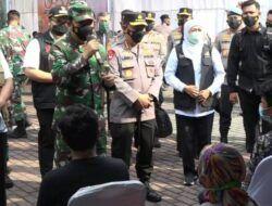 Kunjungi Kediri, Panglima TNI dan Kapolri Cek Vaksinasi Massal