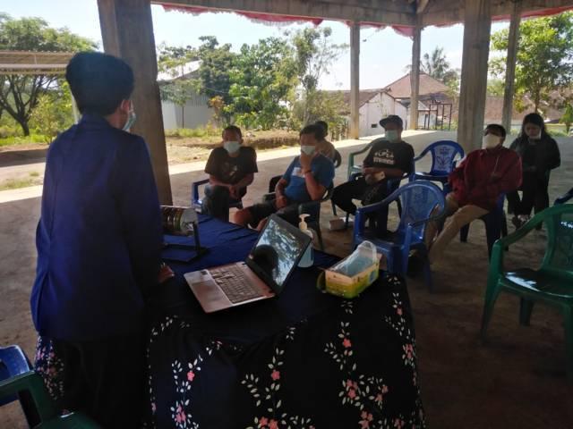 Sosialiasi pembuatan dan manfaat roasting kopi di Desa Selorejo, Dau, Malang oleh para mahasiswa KKN Sinambung UM 2021. (Foto: Dokumen)