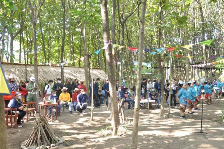 Suasana kegiatan pembukaan Wisata Sobran (Sobo Brantas) di Kelurahan Sisir, Kecamatan Batu, Kota Batu (Foto: Diskominfo Kota Batu) tugu jatim