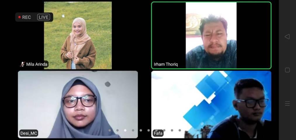 Gelaran pelatihan jurnalistik bersama Pondok Inspirasi dan Tugu Media Group yang digelar secara virtual melalui Zoom Meeting, Sabtu (12/6/2021). (Foto: Dokumen)