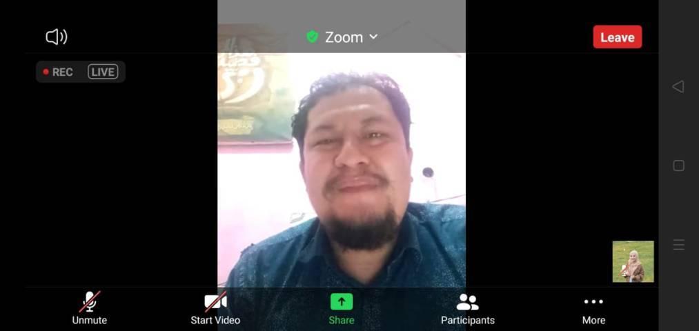 CEO Tugu Media Group, Irham Thoriq saat menyampaikan pesan dalam pelatihan jurnalistik bersama Pondok Inspirasi dan Tugu Media Group yang digelar secara virtual, Sabtu (12/6/2021). (Foto: Dokumen)