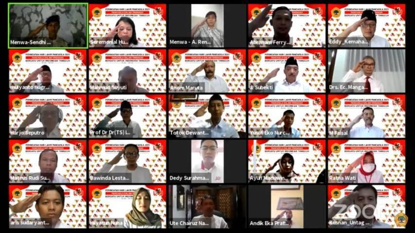 Upacara peringatan Hari Lahir Pancasila yang diikuti pejabat dan pengurus struktural Yayasan Untag Surabaya secara virtual, Selasa (1/6/2021). (Foto: Untag Surabaya)