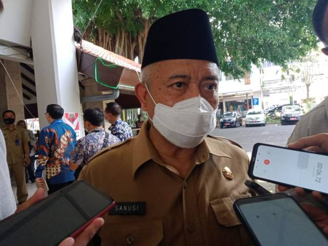 Bupati Malang Muhammad Sanusi saat menjelaskan pelaksanaan PPKM Darurat. (Foto: Rizal/Tugu Jatim)