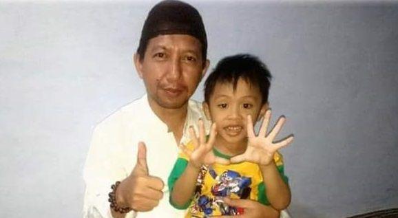 Andrey Dewanto Ahmad, mantan KPU Jatim telah berpulang/ tugu jatim