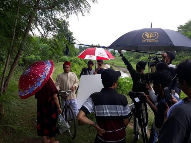 Mahasiswa Komunikasi dan Penyiaran Islam (KPI) Universitas Islam Negeri (UIN) Sayyid Ali Rahmatullah Tulungagung saat shooting untuk mengikuti kompetisi film. (Foto: UIN Tulungagung/Tugu Jatim)