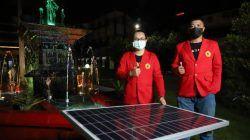 Dua mahasiswa Universitas 17 Agustus 1945 (Untag) Surabaya, yaitu Ade Nur Aziz dan Nazaretha Yoseph Aryo Pinto, buat inovasi air mancur agar lebih bervariasi. (Foto: Untag Surabaya/Tugu Jatim)