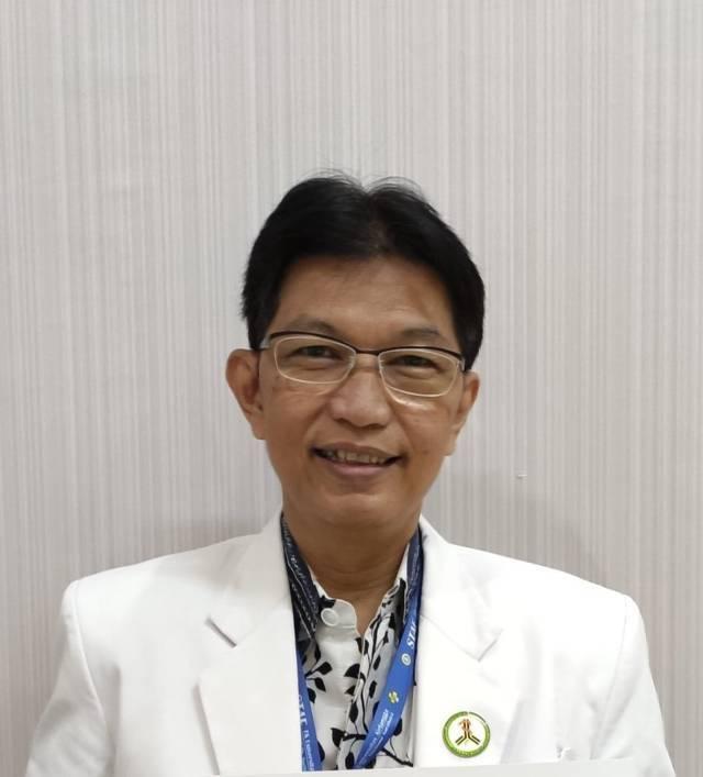 Akademisi Fakultas Kedokteran Universitas Airlangga (Unair) Surabaya Dr dr Gatot Soegiarto SpPD-KAI FINASIM, Rabu (28/07/2021). (Foto: Unair Surabaya/Tugu Jatim)