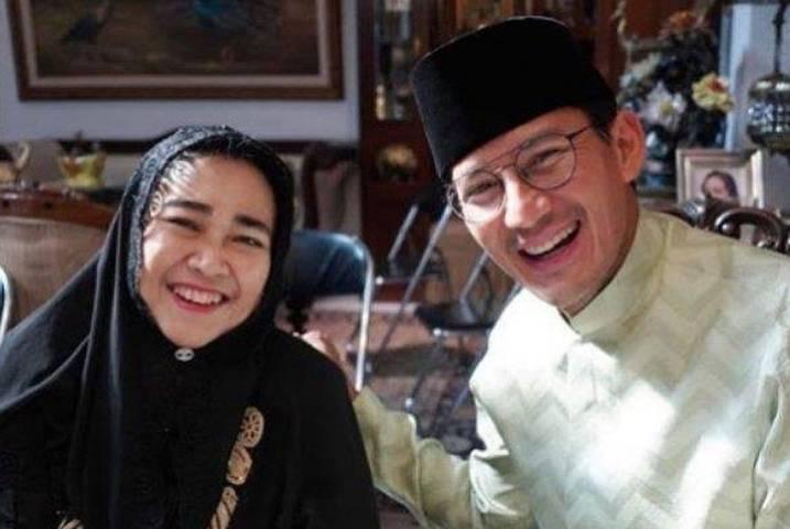 Diah Permana Rachmawati Soekarnoputri saat foto bersama Menteri Pariwisata dan Ekonomi Kreatif Sandiaga Salahuddin Uno. (Foto: Twitter Sandiaga Salahuddin Uno/Tugu Jatim)
