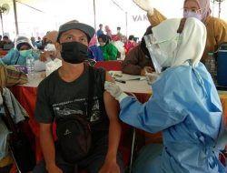 Kadinkes Surabaya Pantau Serbuan Vaksinasi untuk 25 Ribu Warga di 3 Kecamatan