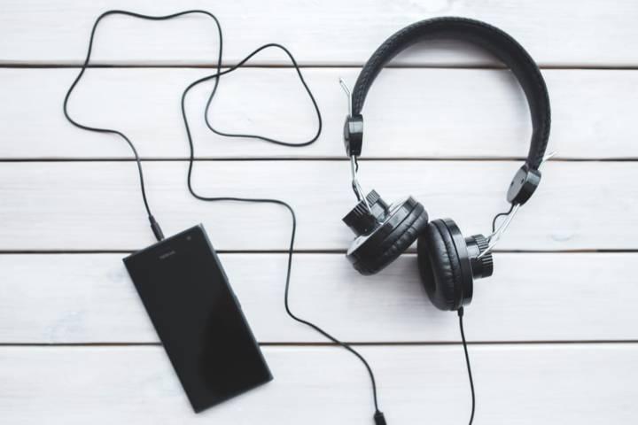 Ilustrasi mendengarkan musik untuk kesehatan. (Foto: Pexels/Tugu Jatim)