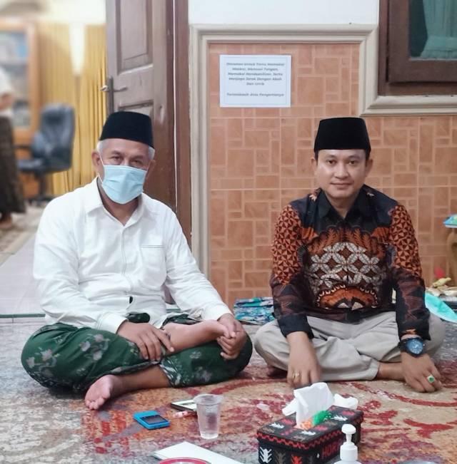 Penulis, Abd. Aziz (kanan). (Foto: Dokumen/Tugu Jatim)