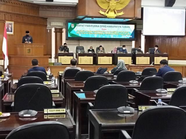 Bupati Tuban Aditya Halindra Faridzky saat memberikan sambutan di Rapat Paripurna persetujuan Kebijakan Umum Anggaran dan Prioritas Plafon Anggaran Sementara (KUA PPAS) tahun anggaran 2022, Rabu (28/07/2021). (Foto: Rochim/Tugu Jatim)