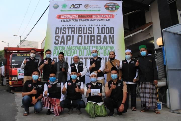 ACT launching rencana mendistribusikan 1.000 sapi dalam rangka momentum Idul Adha 1442 H serta melanjutkan program Operasi Pangan Gratis (OPG). (Foto: ACT/Tugu Jatim)
