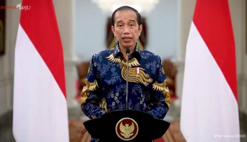 Presiden RI Jokowi saat mengumumkan penerapan PPKM Darurat yang berlaku mulai 3-20 Juli 2021, khusus kawasan Jawa dan Bali, Kamis (01/07/2021), di Istana Negara. (Foto: Dok YouTube Sekretariat Presiden/Tugu Jatim)