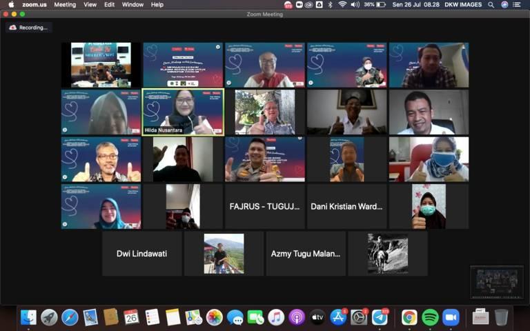"""Tugu Media Group menggelar Focus Group Discussion (FGD) bertajuk """"Dari Malang Untuk Indonesia, Mewujudkan Bank Plasma Konvalesen untuk Mengatasi Covid-19"""" pada Senin (26/07/2021) secara virtual.(Foto: Dani/Tugu Jatim)"""