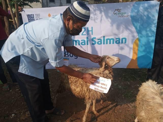 Pondok Inspirasi menunjukkan hewan kurban yang akan disembeli pada Hari Raya Idul Adha tahun ini, Selasa (20/07/2021). (Foto: Dokumen/Tugu Jatim)