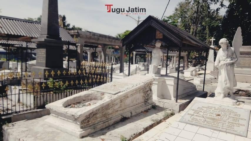 Kompleks Pemakaman Peneleh Surabaya di Jalan Makam Peneleh dengan jumlah 35.240 makam, Jumat (02/07/2021). (Foto: Rangga Aji/Tugu Jatim)