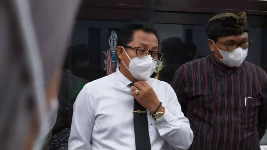 Wali Kota Malang Sutiaji didampingi Wakil Wali Kota Malang Sofyan Edi Jarwoko terkait Kota Malang keluar dari zona hitam.(Foto:Azmy/Tugu Jatim)