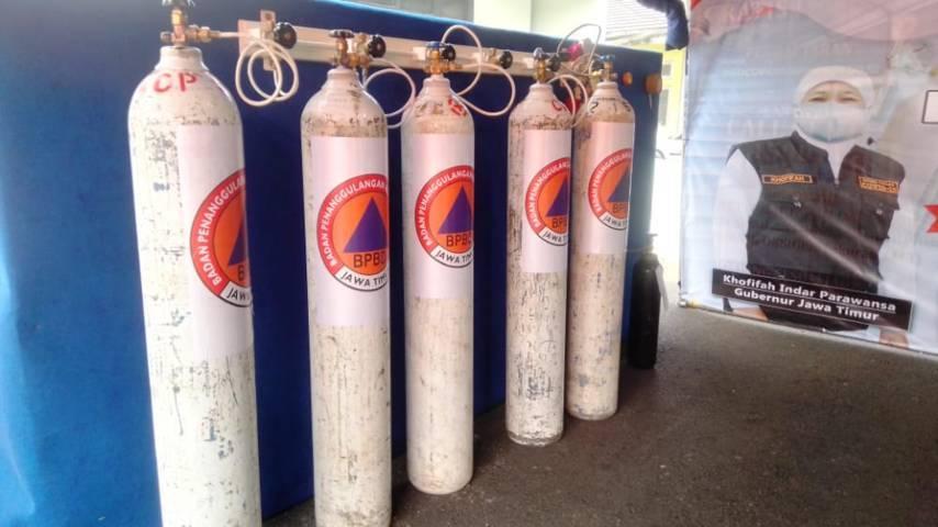 Program pengisian tabung oksigen gratis untuk warga Jatim secara resmi dibuka pada Sabtu (17/07/2021). (Foto: Rangga Aji/Tugu Jatim)