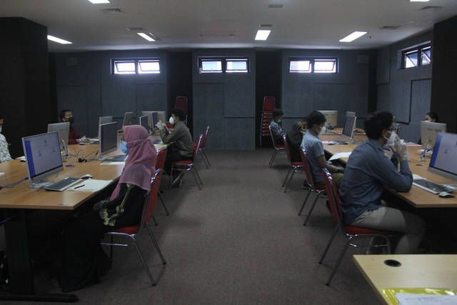 Ilustrasi mahasiswa UB yang melaksanakan kuliah luring. (Foto: IG UB/Tugu Jatim)