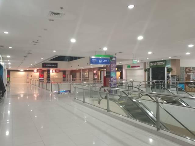 Kondisi Lippo Plaza Mall Batu yang tampak sepi pengunjung. (Foto: Sholeh/Tugu Jatim)