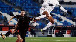 Raphael Varane, pemain yang kini menjadi pilar baru MU/tugu jatim