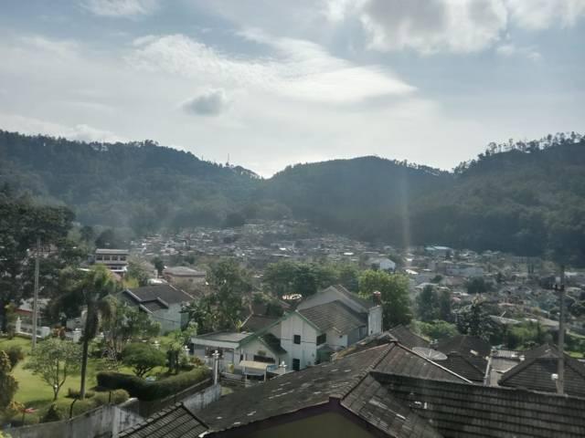 Villa-villa di kawasan Songgoriti Kota Batu. (Foto: Sholeh/Tugu Jatim)