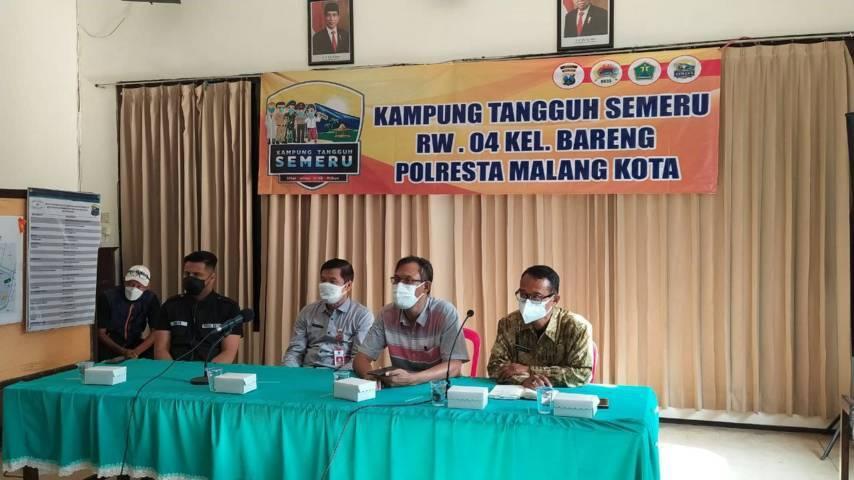 Sosialisasi penambahan safe house baru di bekas Hotel Radho Suites di kawasan Kelurahan Bareng, Kota Malang, Jumat (23/07/2021). (Foto:Azmy/Tugu Jatim)