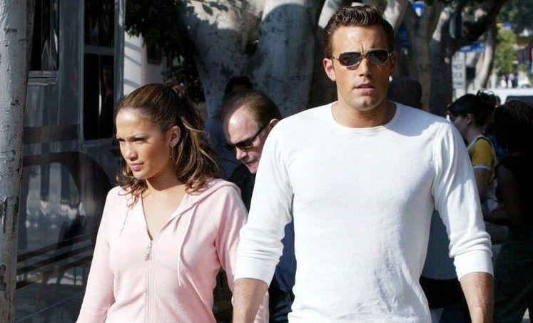 Jennifer Lopez dan Ben Affleck Tertangkap Kamera Sedang Bersama/tugu jatim