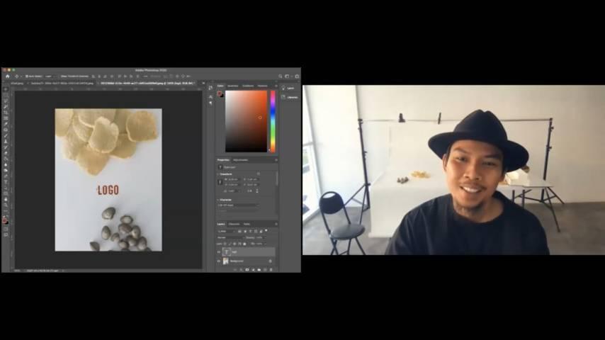 """Tips and trick dari Mochtret selaku narasumber dalam acara pelatihan """"Smart Picture with Smartphone"""" oleh mahasiswa KKN Kelompok 13 UPN Veteran Jawa Timur secara virtual, pada 25 Juli 2021. (Foto: Dok mahasiswa KKN Kelompok 13 UPNVJT/Tugu Jatim)"""