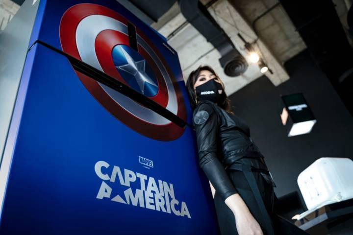 Modena menghadirkan produk rumah tangga edisi Marvel super heroes Captain America, Minggu (11/07/2021). (Foto: Azmy/Tugu Jatim)