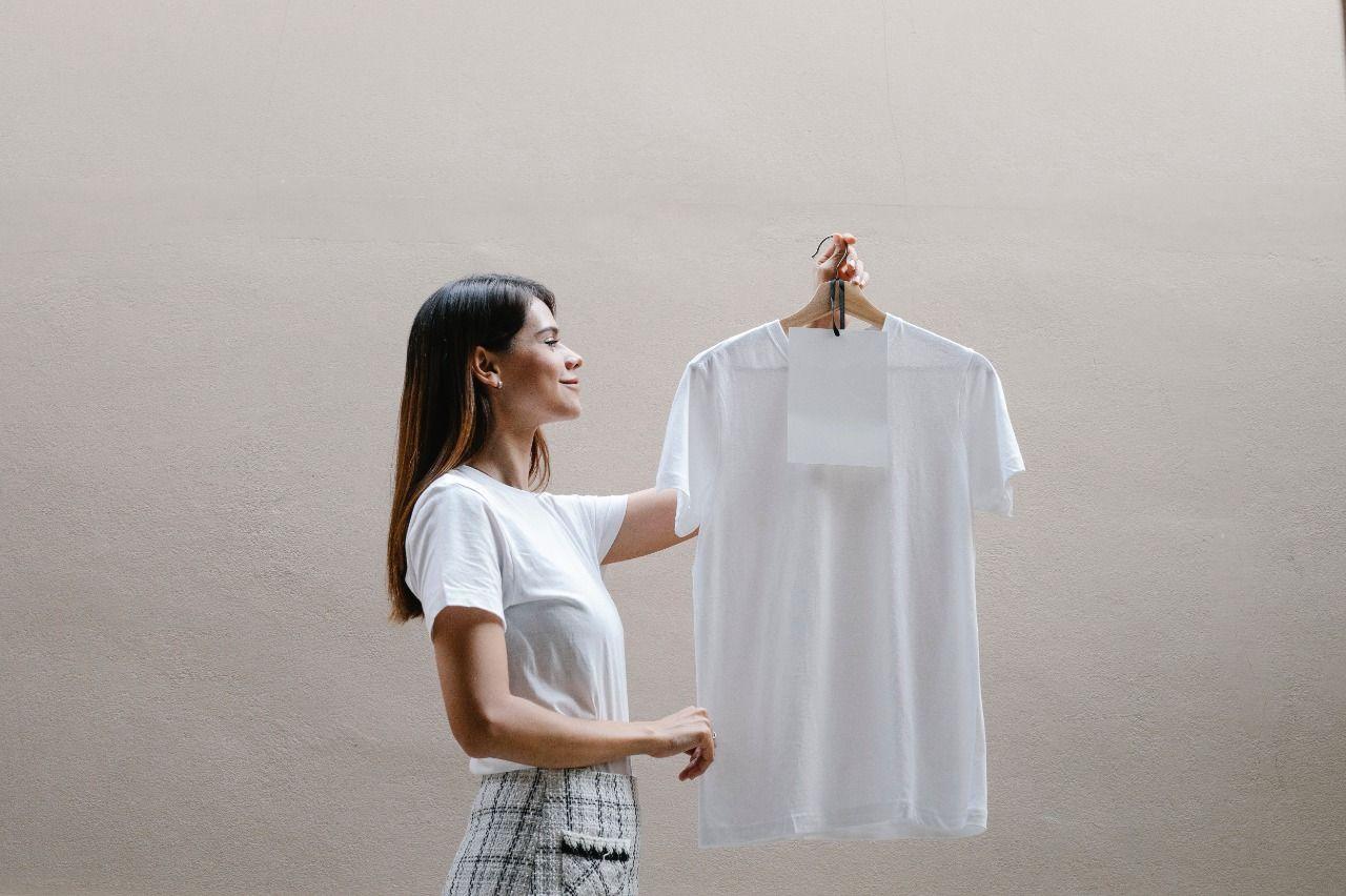 Pakaian fast fashion menjadi salah satu penyumbang limbah/tugu jatim